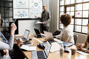EZCast-Pro-wireless-presentation-meeting-room